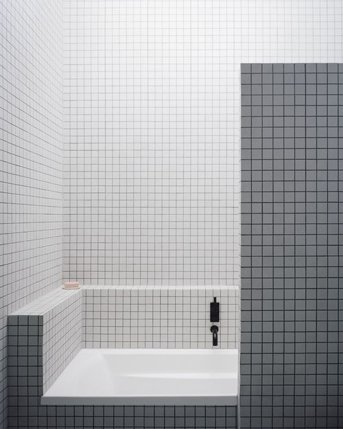 5 I Like The Juxtaposition Of This Dark To White Pattern 1x1 Or Slightly Larger On Walls And In Trendy Bathroom Tiles White Bathroom Tiles Bathroom Interior
