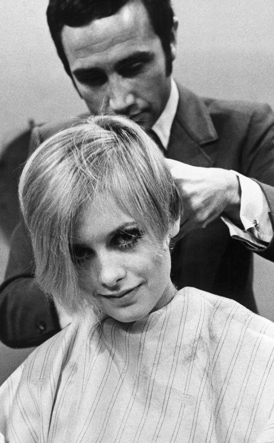 Peinados de iconos de belleza que han marcado una época: el corte de pelo de Twiggy. Propuesta Le Salon d'Apodaca.