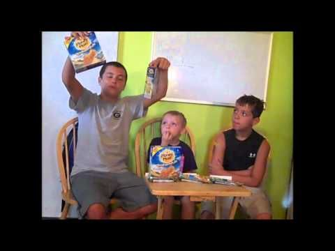 The Boys (at 3 Boys and a Dog) Taste Test New Honey Maid Grahamfuls! Love these kids!