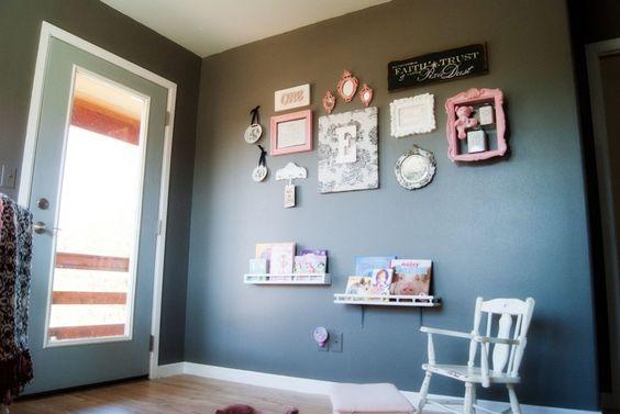 Sweet gallery wall in this baby girl's room! #babyroom #nursery #gallerywall