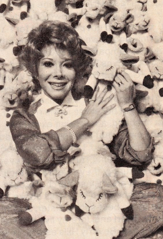SHARI LEWIS and Lamb Chop puppets everywhere. clipping (minkshmink)