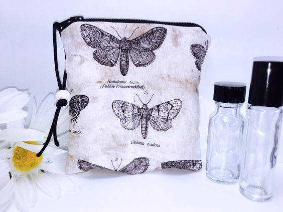 Vintage Butterflies Essential Oil Bag, 2-3 Bottles Young Living Oil Bag, Carry in Purse Essential Oil Travel Case, All in One Design by PhenomenalWomenShop on Etsy