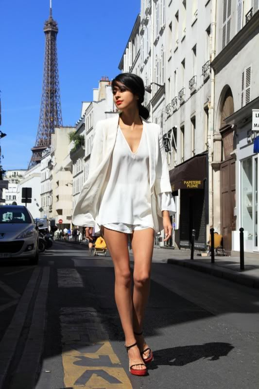 All white #Paris #StreetStyle