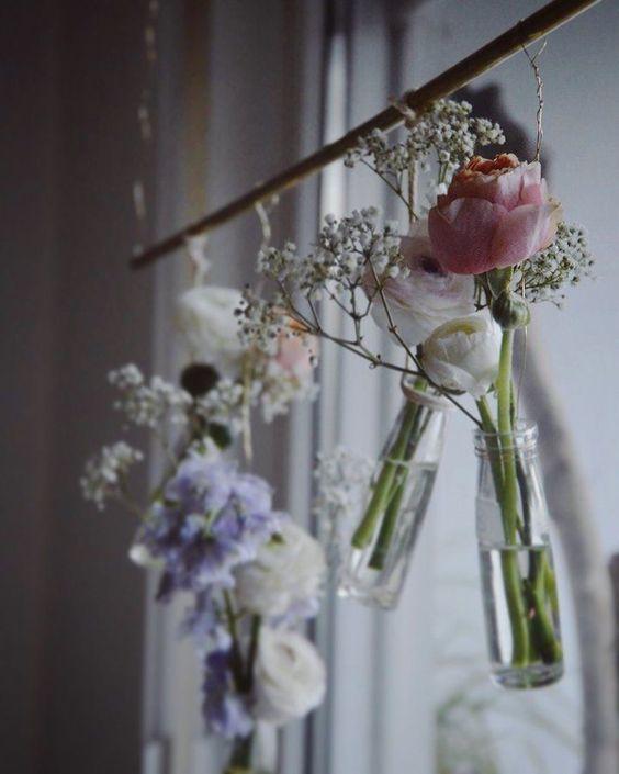 Blumen am Fenster - herein mit dem Frühling