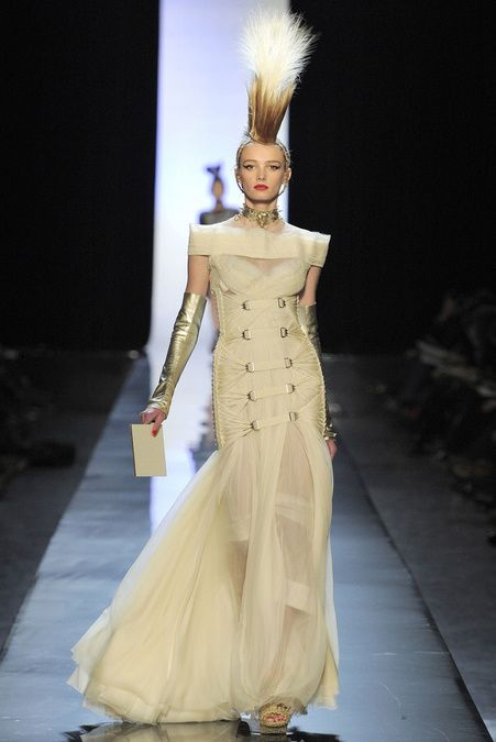 I'd wear this to the Oscars (John Paul Gaultier Haute Couture)