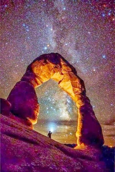 Arches National Park. Beautiful picture of a beautiful place!