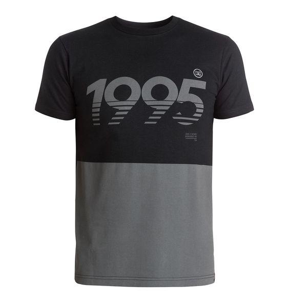 RD Shades - DC Shoes T-Shirt für Männer  RD Shades T-Shirt von DC Shoes. Die Eigenschaften dieses Produkts sind: kurze Ärmel, von Rob Dyrdek inspiriertes Design und Standard Fit. Dieses Produkt besteht aus: 100% Baumwolle.  Merkmale:  T-Shirt, Kurze Ärmel, Von Rob Dyrdek inspiriertes Design, Standard Fit, Softhand Ink Print,  Dieses Produkt besteht aus:  100% Baumwolle,  ...