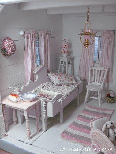 Linnanneidon lokikirja: Kesämökin olkkari - Cottage style living room in miniature