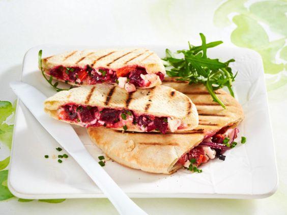Unser beliebtes Rezept für Saftiges Gemüsesandwich und mehr als 55.000 weitere kostenlose Rezepte auf LECKER.de.