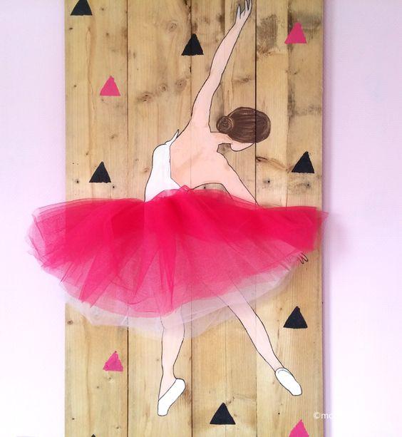 DIY painting on wood. Ballerina with a real tule skirt. Schilderij op hout. Ballerina met een echte tutu van tule.