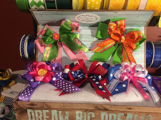 Spring/Summer Girls Hair Bow Box Gift Set.  Bow set comes with 5 bows in a decorative box.  Specific bows can be requested for any box set.    In this box:    Pink and Green Bow - Part of the Pretty in Pink Collection  Green and Orange Bow  Purple Polka Dot Bow with button center  4th of July/Patriotic Bow  Blue Polka Dot Loop Bow | Shop this product here: http://spreesy.com/Ribbonsbuttonandbowco/39 | Shop all of our products at http://spreesy.com/Ribbonsbuttonandbowco    | Pinterest selling…