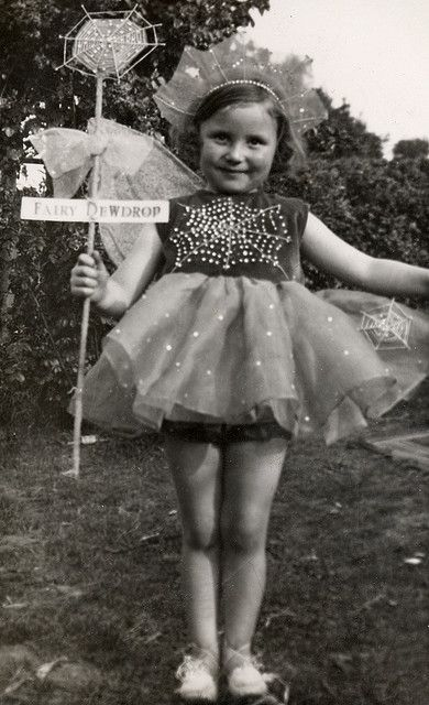 fairy dewdrop, 1930s--I would have loved dressing up like that when I was a little girl in the 30's!  The skirt is fabulous!   Very Shirley Temple!