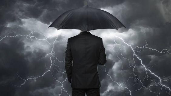 Homem na chuva