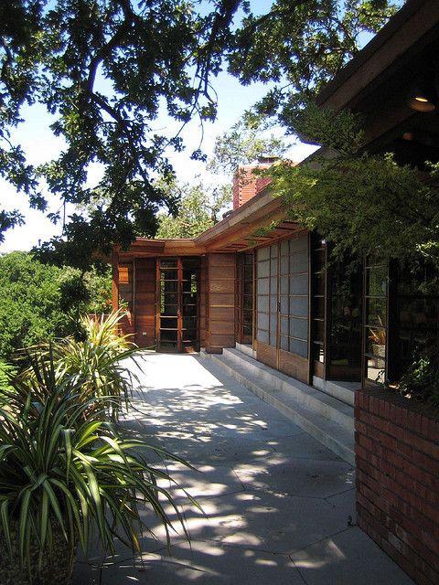 Pinterest the world s catalog of ideas for Frank lloyd wright houses in california