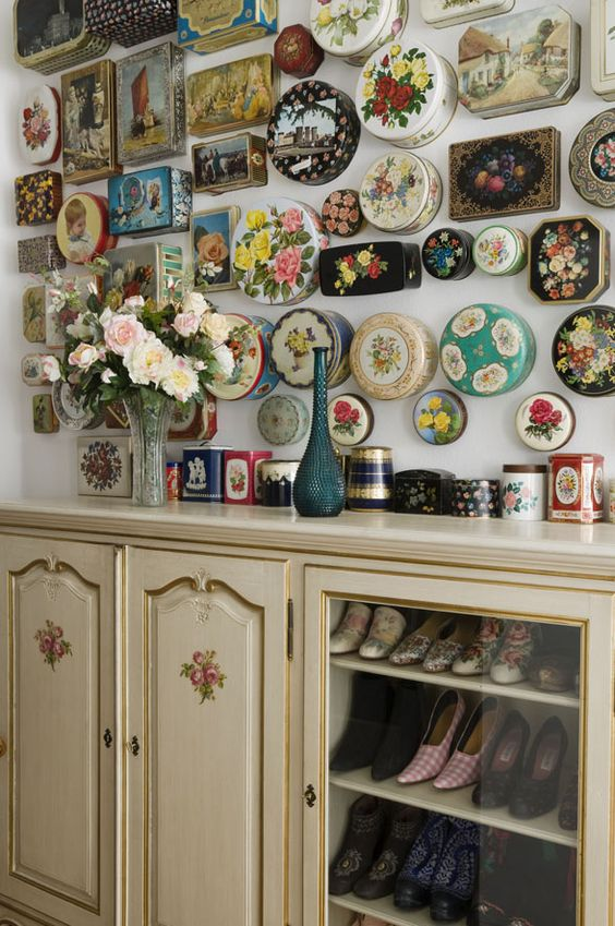 vintage tin lids for the wall