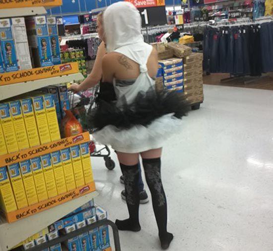 People of Walmart Part 3 - Pics 17