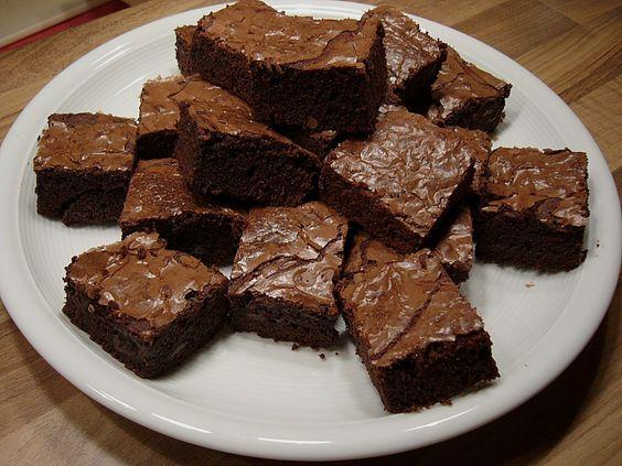 Göttliche Brownies, ein sehr leckeres Rezept aus der Kategorie Kuchen. Bewertungen: 33. Durchschnitt: Ø 4,0.