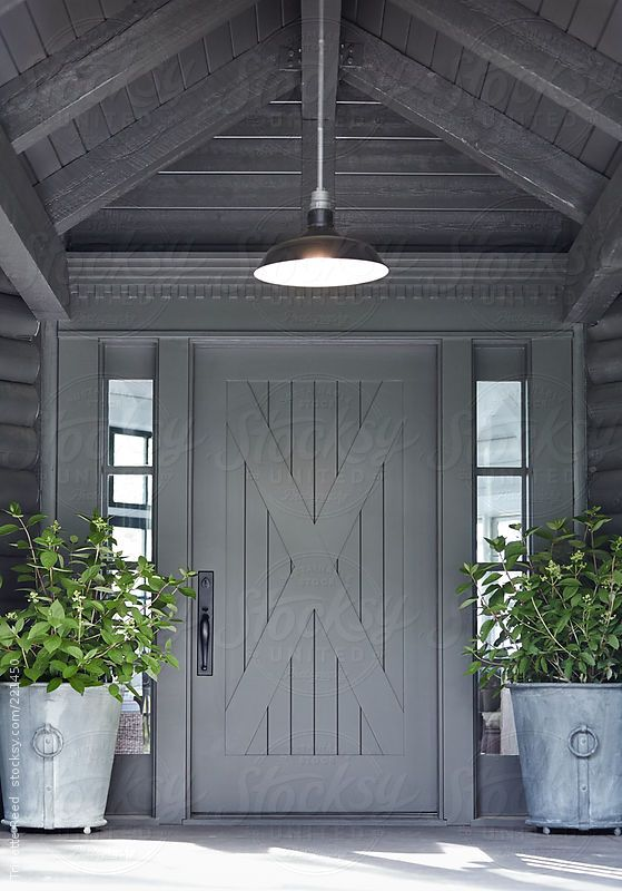 Front door of log cabin home in Sonoma, California   Canyons ...