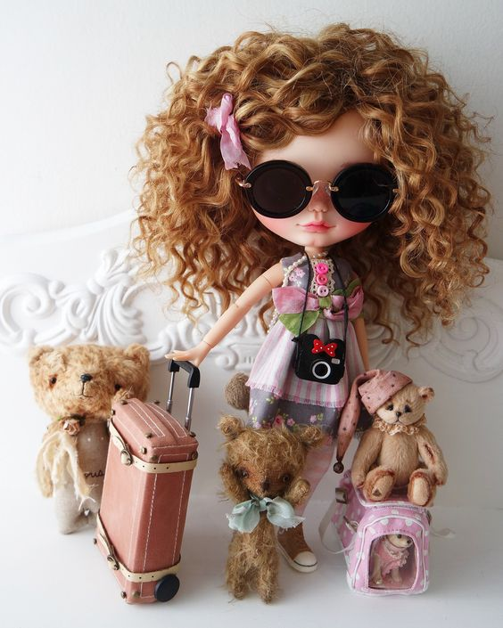 Ohhh so excited!! Ready to travel and meet my mommy!!!  {KiKi} Thank you very much for coming to say goodbye to the airport little Teddy bears  | Custom Commission