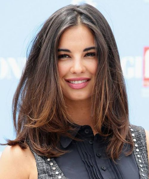 Long Bob Hairstyles Have Been Prevalent For Many Years The Reason Is That It Gives A Delig Haircut For Thick Hair Medium Length Hair Styles Medium Hair Styles