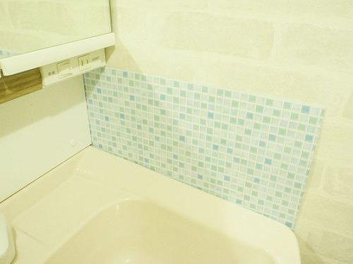 100均だけで洗面所の水はね防止 シート 洗面所 洗面台 シート