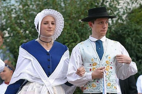 FolkCostume&Embroidery: Overview of the costumes of France, part 1. The North