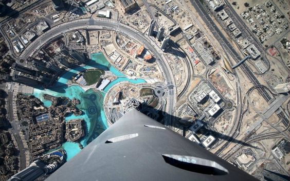 A photo from the top of the Burj Khalifa hotel in Dubai.