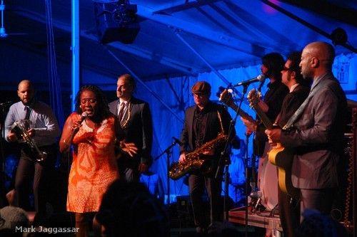 Sharon Jones & the Dap Kings. June 26, 2009. Toronto Jazz Festival, Toronto, Ontario.