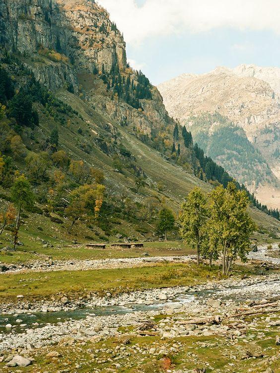 Somewhere I would like to live: Srinagar, Kashmir and Aru Valley / Brian Ferry