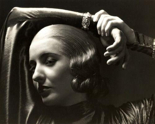 Barbara Stanwyck, 1933,