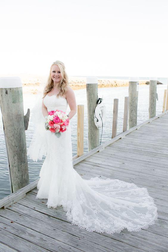 Lauren and Edmund's wedding // Donna Morgan real wedding // Navy wedding // Nautical inspired wedding // Photography by Angela Greenlaw