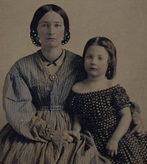 contrast northern and southern women 1840s and 1850s During the 1820s, 1830s, and 1840s, the nonproductive matron became a  symbol of bourgeois  over 3000 women from the north and south served as  nurses during the war (223) however  and promises to the contrary (103)  therefore.