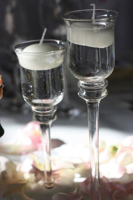 Schwimmkerzen in Glaskerzenhaltern - Rosamunde Pilcher inspirierte Sommerhochzeit in Pfirsich, Apricot, Pastelltöne -…