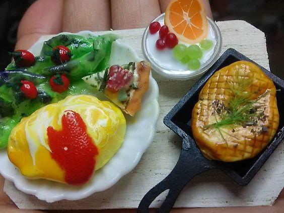#ミンネに出品中1300円 #ミニチュア #takakoleo072で検索お願い致します  #miniature #doll #cafe  #JAPAN #japon #ミニチュア #ドールハウス #オムライス #カフェ #カフェ巡り  #カフェランチ #ランチ #オムライスランチ #料理 #チキンの香草焼き #料理 #洋食 #レストラン #ミニチュアフード  #食品サンプル #ジオラマ #模型