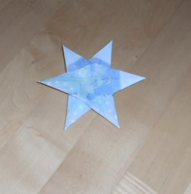 geldscheine falten geldstrau mit sternen geldgeschenk vouwen pinterest. Black Bedroom Furniture Sets. Home Design Ideas