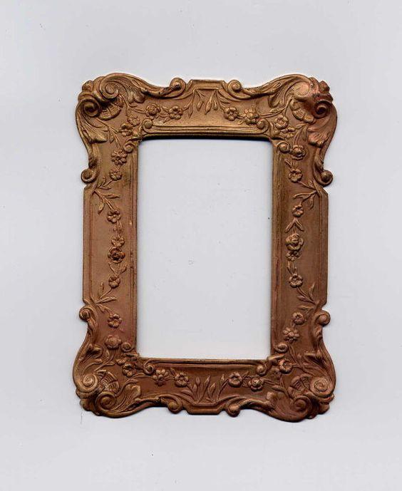 Un cuadro barato por $6 que con una buena patina con puede darnos un efecto de marco clásico y carisisisismo ;)