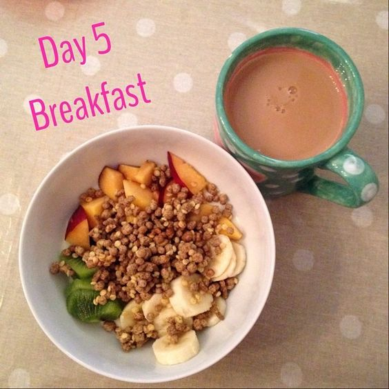Day 5 - Breakfast. Fully loaded bowl of muller light vanilla yoghurt (F) with kiwi, banana and nectarine (SF) and 30g All Bran Golden Crunch on top (HExB) with a sugarless tea (milk 1/2syn) #slimmingworld #sw #instaslim #healthy #yum