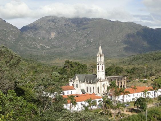 Situado entre as cidades de Catas Altas e Santa Bárbara, Santuário do Caraça foi fundado há mais de 240 anos (Foto: Raquel Freitas/G1)