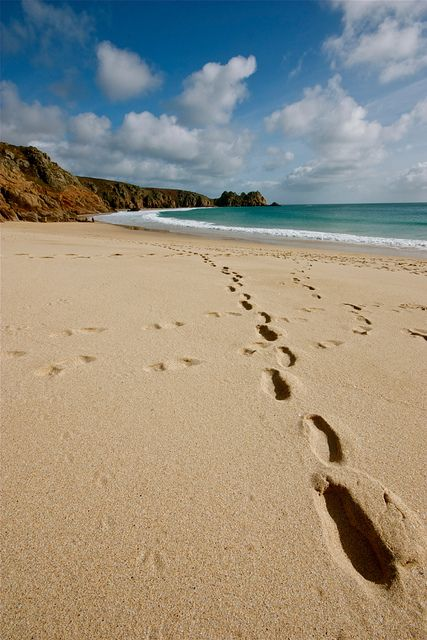 Porthcurno, Cornwall. Do you fantasize about living in Cornwall, by the sea? We…