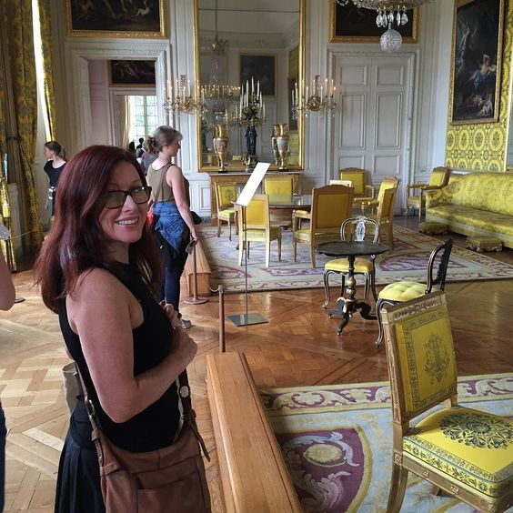 Leanne in the yellow room at Versailles