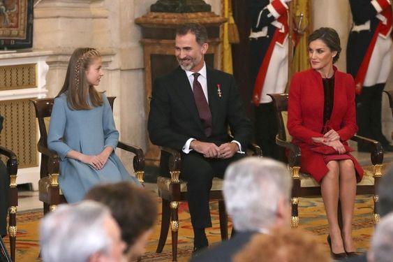Princess Leonore wifh her dad King Felipe of Spain