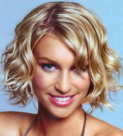 short curly hair:  I wish I could get my hair to do this.  I have this same cut but my hair turns into ringlets.