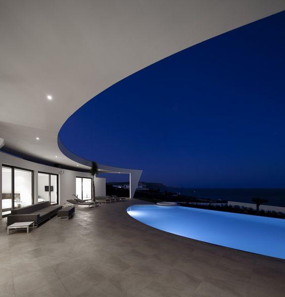 Casa Colunata / Mario Martins Atelier