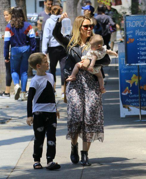 Hilary Duff Photos Photos Hilary Duff And Kids At Lunch Hilary Duff The Duff Hillary Duff