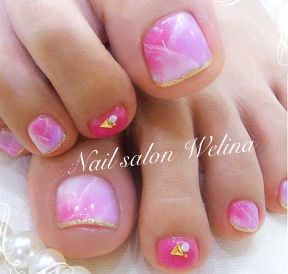 Pin-Gold Toe Nail Art
