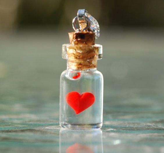 Coeur en Mignonnette de charme. par BottledUpShop sur Etsy