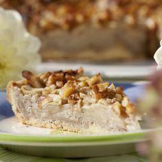Für den Mürbeteig Mehl, Butter, Zucker, Vanillinzucker, Salz und Ei rasch zu einem glatten Teig verkneten. Eine gefettete Springform (26cm Ø)...