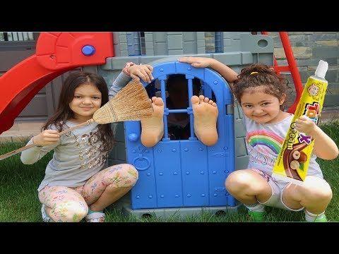 Annem Yaramazlik Pesinde Elif Oyku And Masal Fun Kid Video Youtube Masal Youtube Pelerin