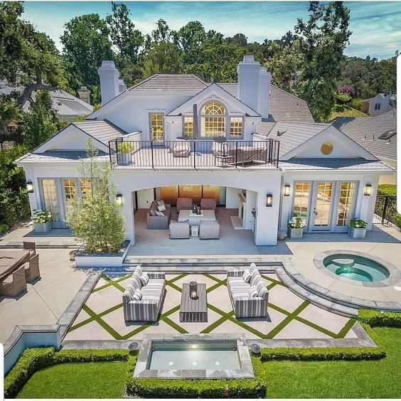 46 Luxury And Popular Home Design That Can Inspire You Page 2 Of 46 Veguci Luxury Homes Dream Houses House Designs Exterior Dream House Exterior