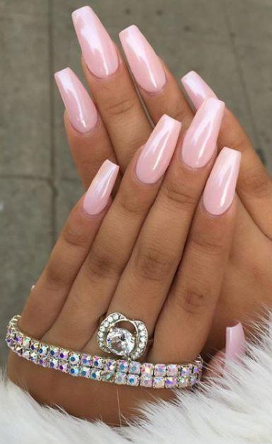 Susse Rosa Nagel Rosa Bogenformige Nagel Mandelnagel Gelnagel Glitzerpinke Nagel Pink Glitter Nails Cute Pink Nails Pink Nail Designs